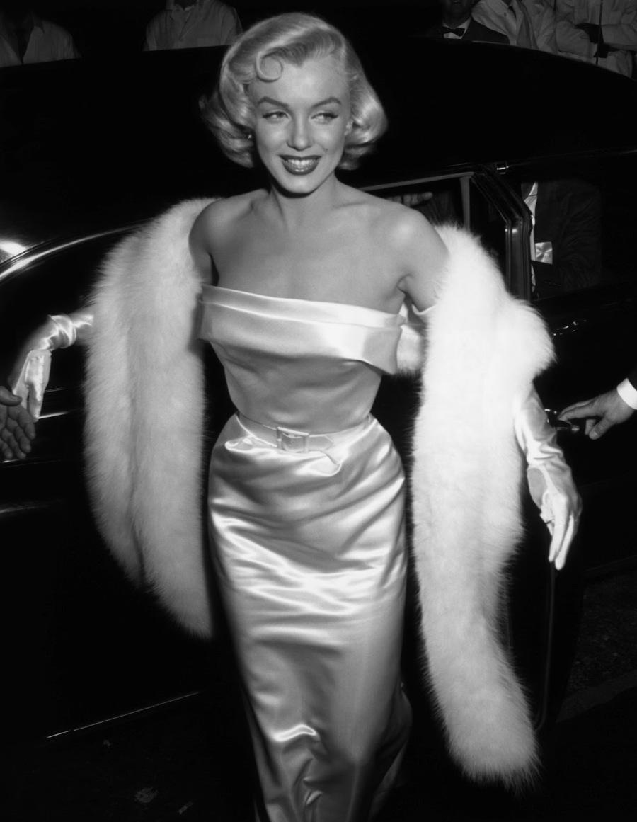 Marilyn_Monroe_at_Ciro's