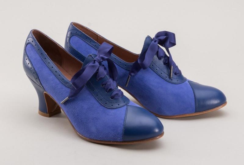 poppy-blue-shoelaces-1-800x800